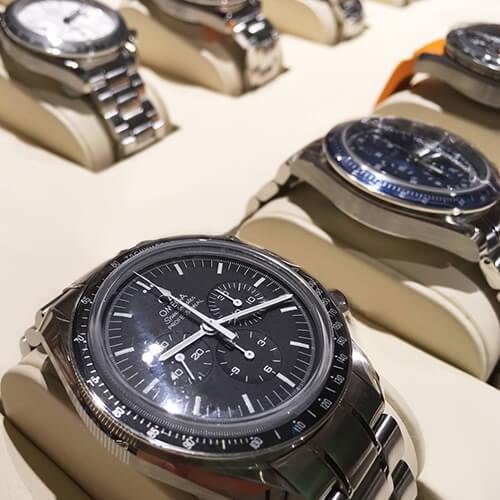 オメガ、ハミルトン、ガガミラノ、カルチェなど、人気ブランド時計を取り揃えています。