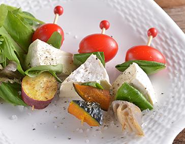 カマンベールチーズと和野菜のピンチョス