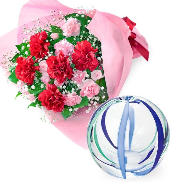 カーネーションの花束と【津軽びいどろ】一輪挿し(夏空) t58521269 |花キューピットの2019母の日プレゼント特集
