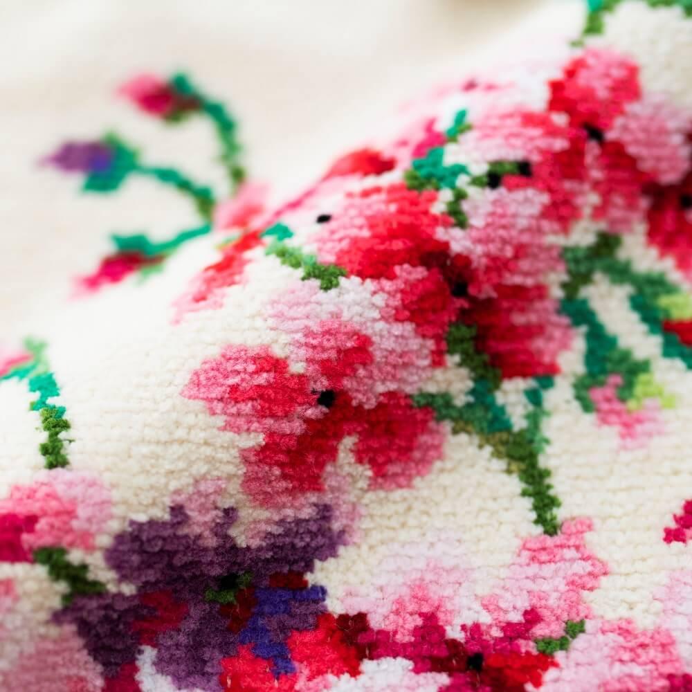 柔らかなデザインは春の贈りものにぴったり