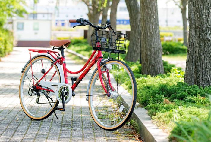 公園に駐車したMy Pallas M-504 シティサイクル26・6SP・オートライト