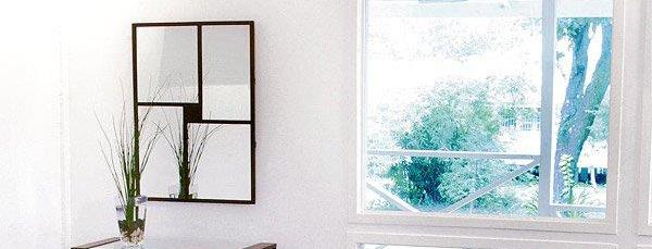 壁掛け鏡・ウォールミラー:フレームミラー