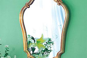 壁掛け鏡・ウォールミラー:ゴールド色の鏡