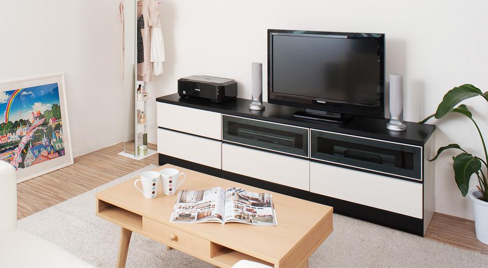 まずはここから。シンプルなテレビボード