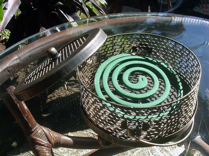 アイアン製アンティーク調蚊取り線香ホルダー