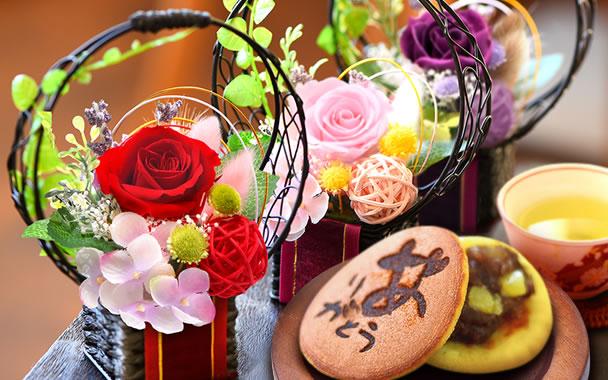 母の日 2016 オススメ 花籠とどら焼き3個セット(全色) 【新】  border=