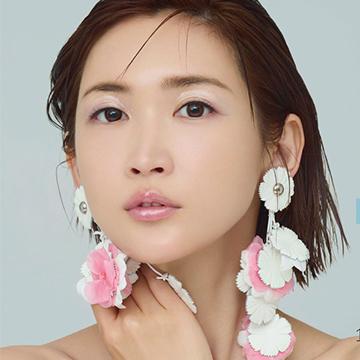 ミッシュブルーミンシリーズ、アイリスグローのイメージモデル紗栄子