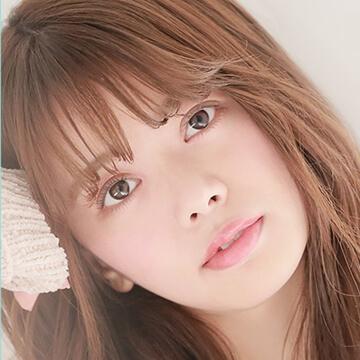 アイメイクシリーズのイメージモデル、山崎春佳(やまざきはるか)ちゃん