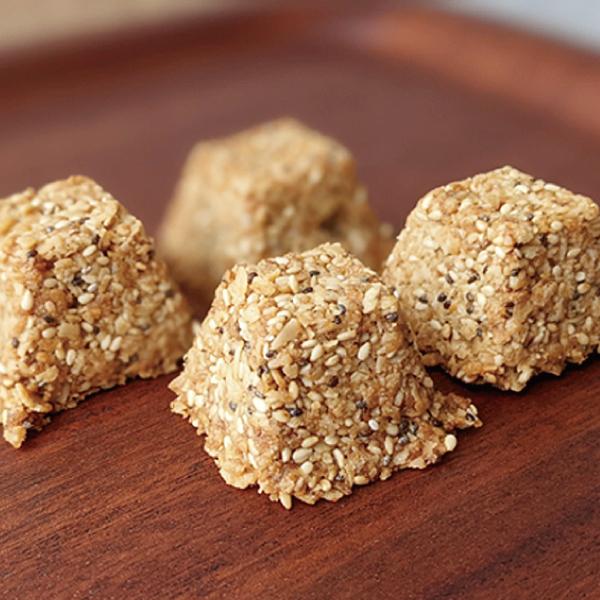 雑穀と米粉のオートミールキューブ