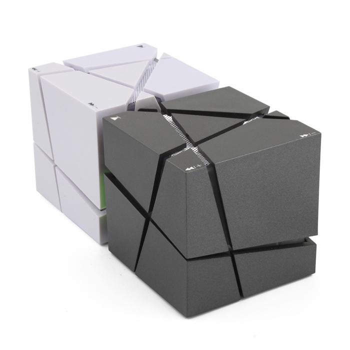 LED�饤����� HI-FI �ݡ����֥�ߥ� ���塼�ַ����ԡ����� Bluetooth ���ƥ쥪 ������ɥܥå��� mp3�ץ졼�䡼 FM ��QONE-CUBE